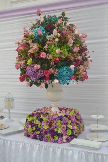 Hermoso jarron mesa dulces