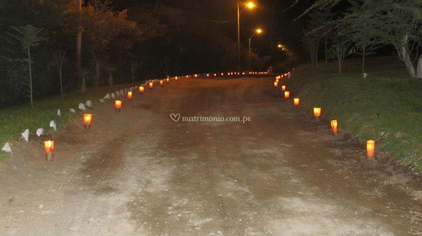 Ingreso iluminación con velas