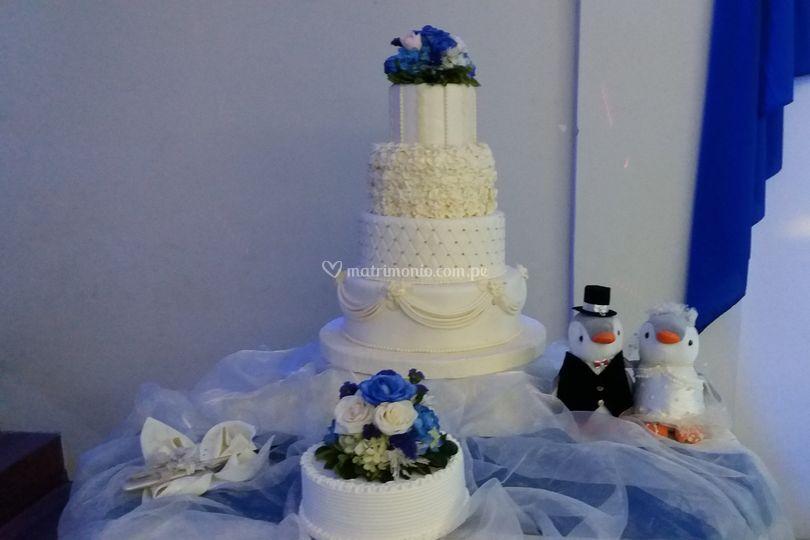 Torta de boda con personaje