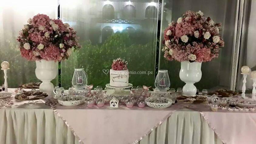 Mesa de dulces variados