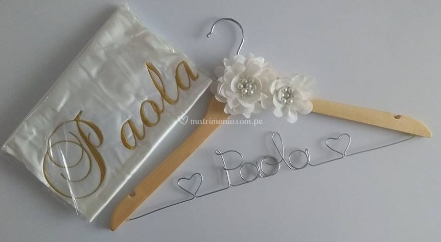 Pack novia(bata+percha)