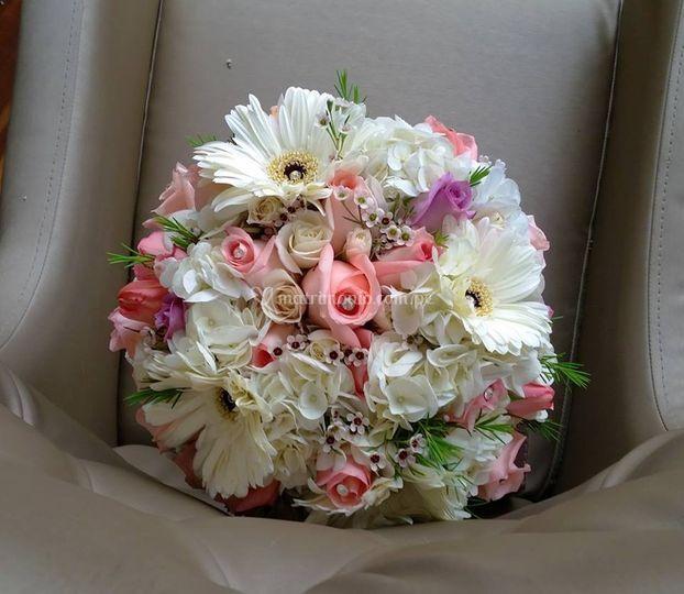 Bouquet gerberas y rosas