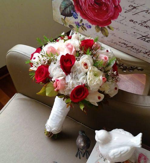 Bouquet rojo y rosado