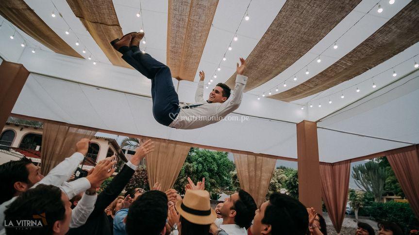 Volando entre la boda