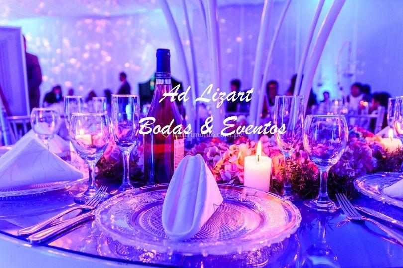 Detalles de velas y flores