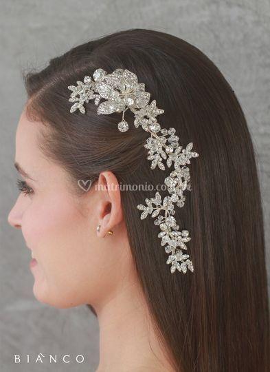 Bianco tiara tocado dana