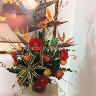 Arreglo floral de frutas