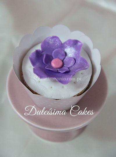 Cupcake de flor violeta
