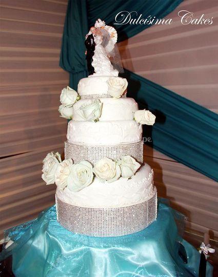 Excelente torta de matrimonio