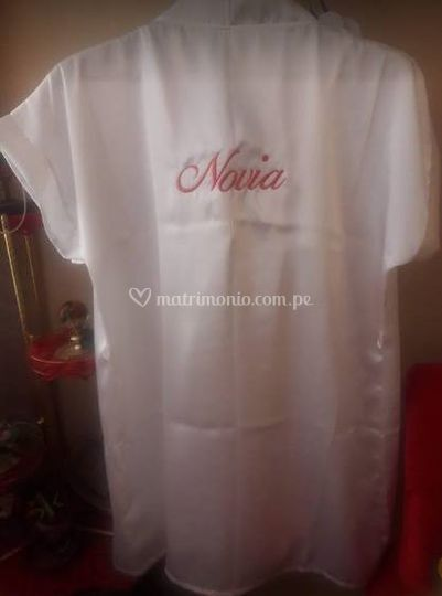 Bata para novia personalizada