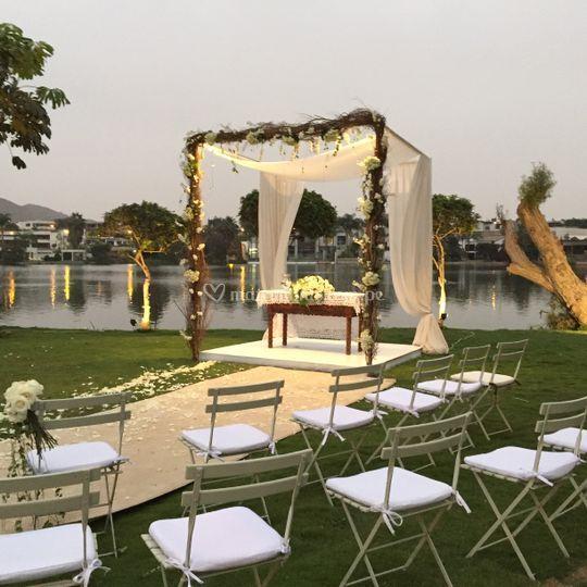 Wedding Altar Selfie: Mariela Heysen Wedding