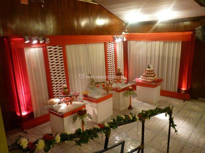 Mesa de buffet en cubos