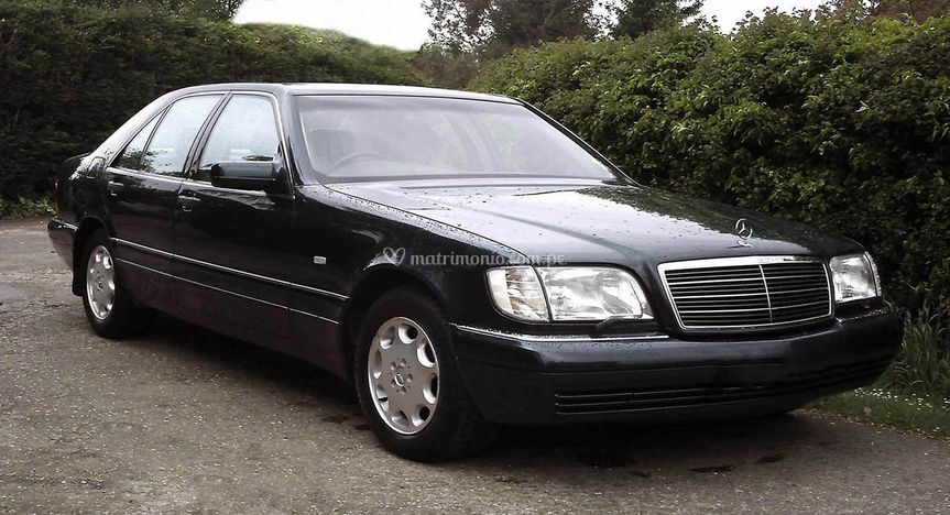 Sedan Mercedes Benz
