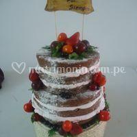 Torta denuda con frutas