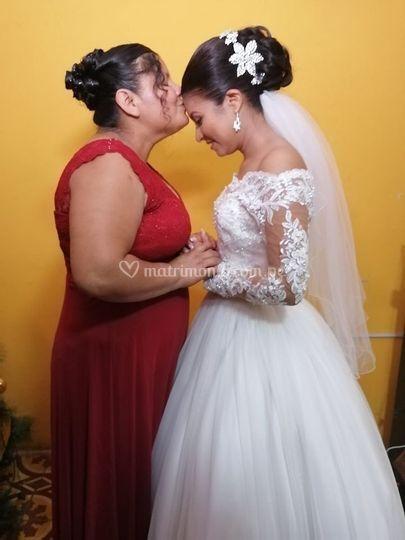 Novia María y mamá