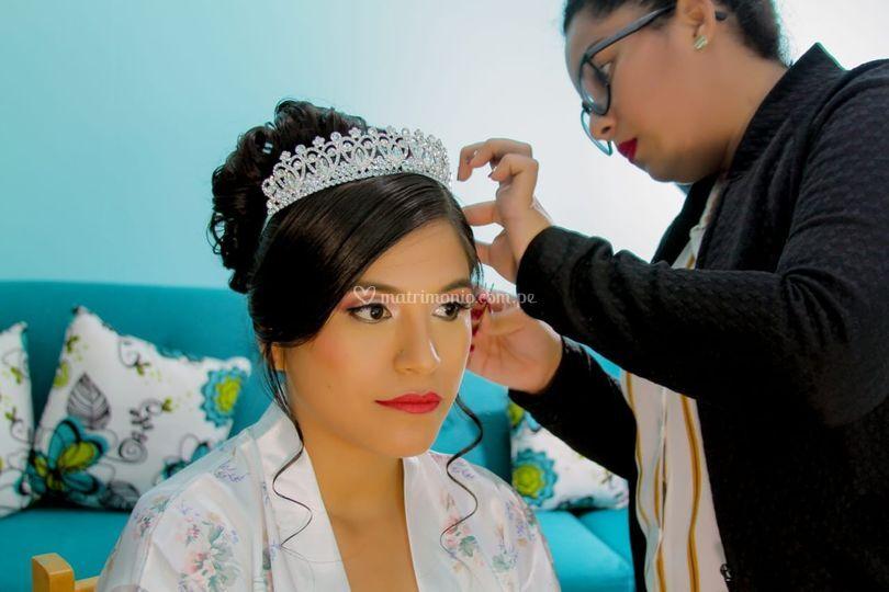 Bello peinado de novia