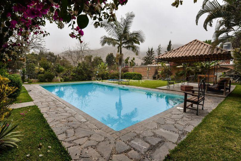 Foto zona de piscina