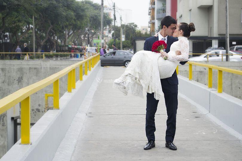 Cargando a la novia