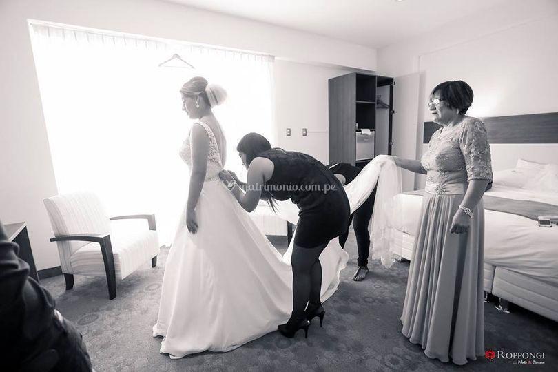 La ayuda a la novia