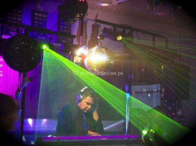 DJ y luces