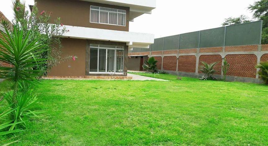 Gran patio interior