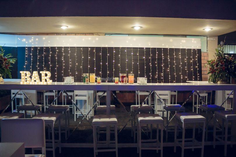 Barra bar de espejos