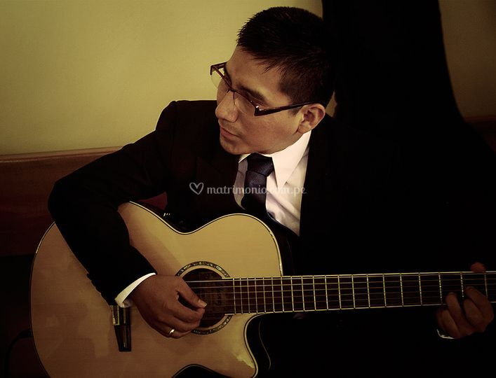 Primera guitarra