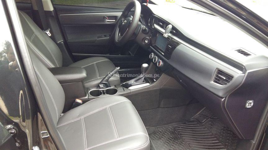 Toyota Corolla full cuero