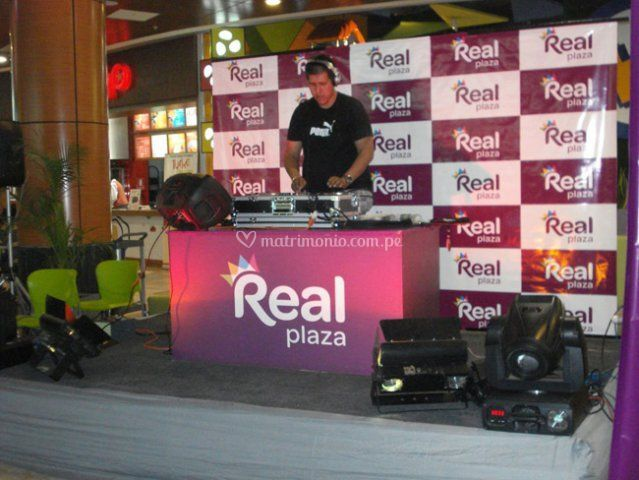 Noche electronica real plaza
