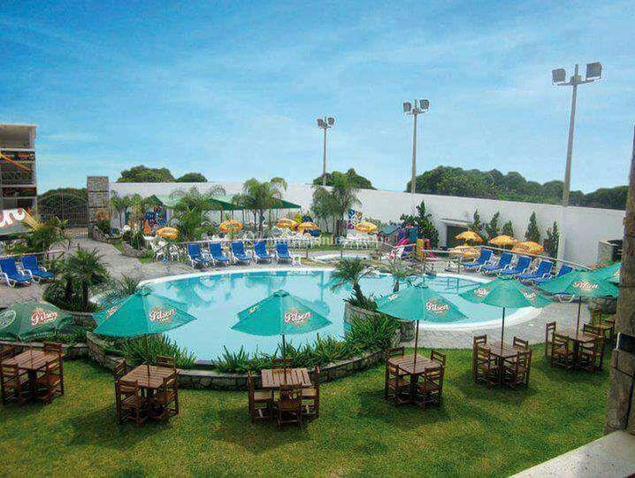 2 piscinas y seguridad