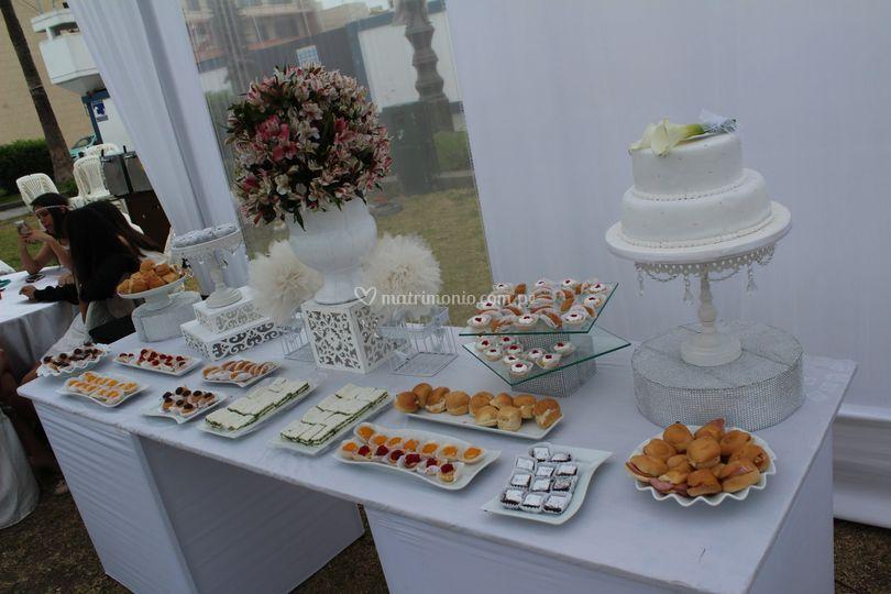 Mesa buffet boda civil playa