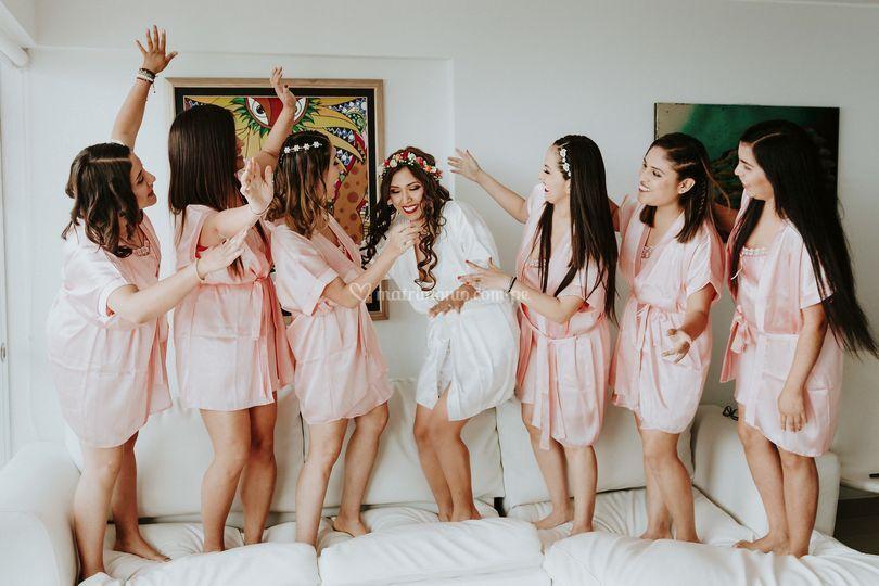 La novias y sus amigas