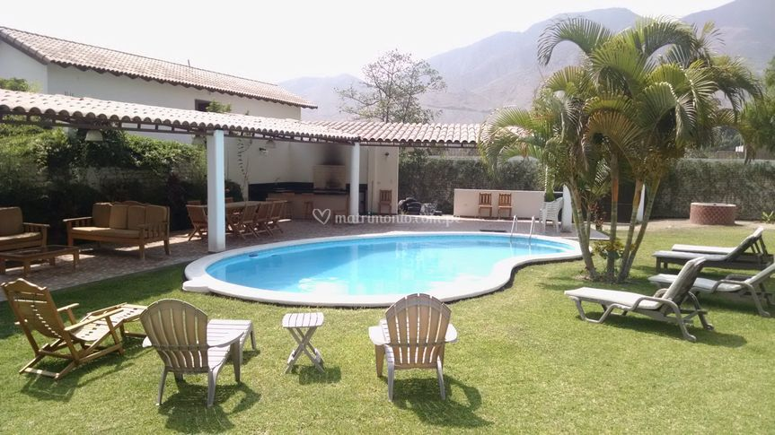 Casa de campo cieneguilla for Casa de campo con piscina