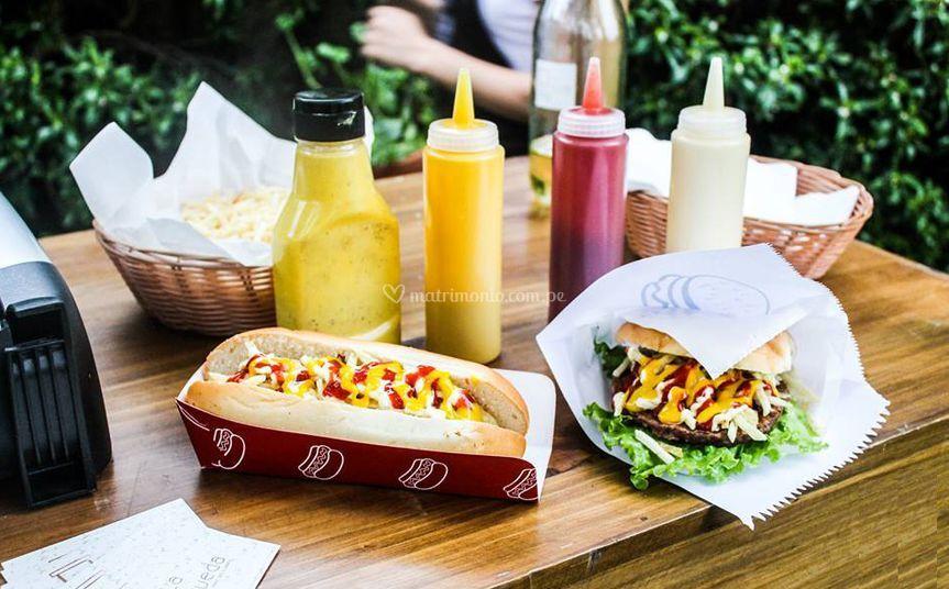 Hot dogs y hamburguesas