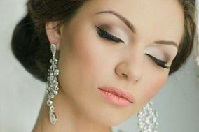 Ofelia Troll Makeup Artist