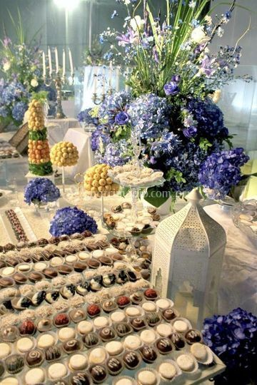 Mesa de dulces y decoración