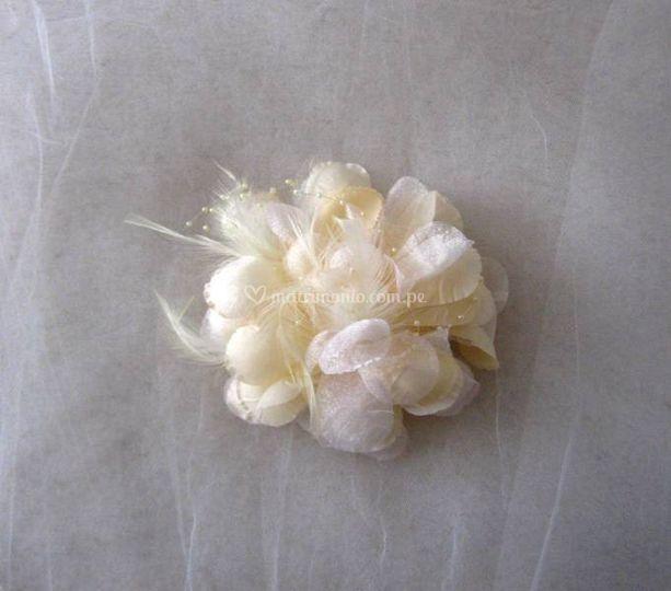 Tocado flor - crema marfil