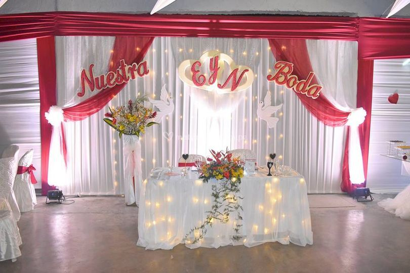 D'Elyss Catering & Eventos