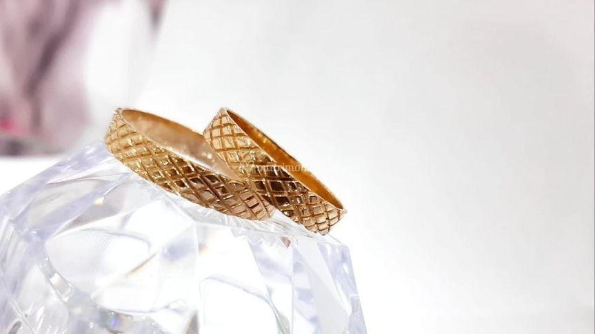 Aros diamantados oro