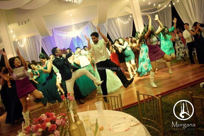 Nadie se queda sin bailar