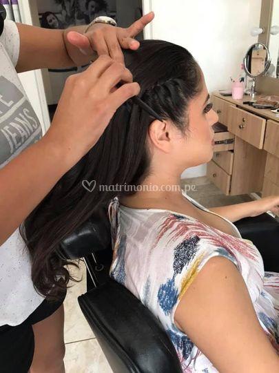 Peinado y maquillaje dama