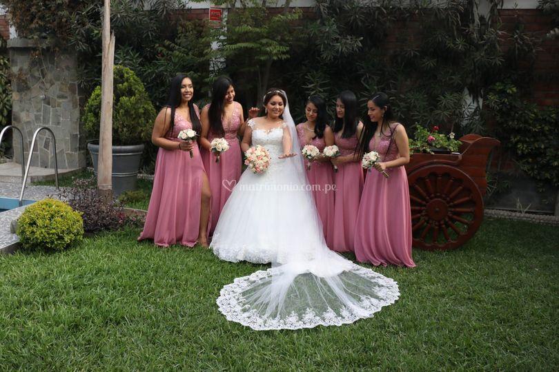 La novia y sus damas
