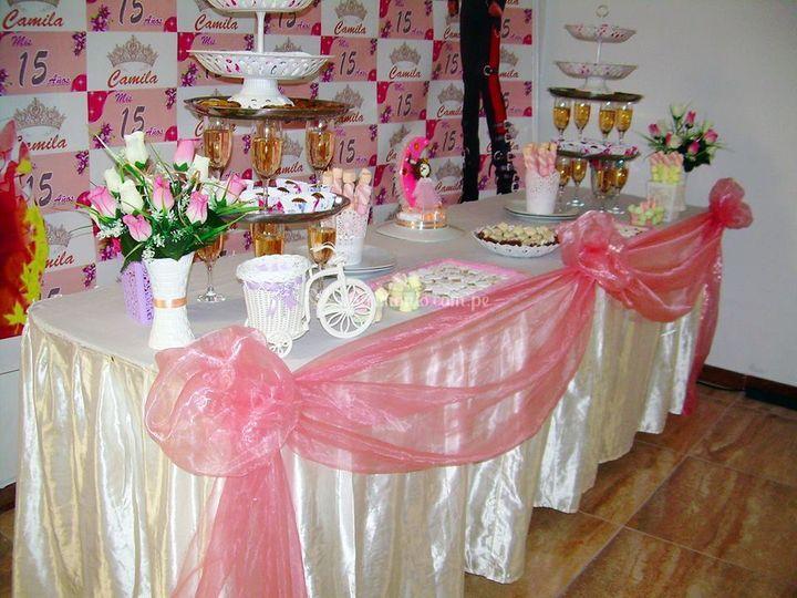 Mesas y decoraciones