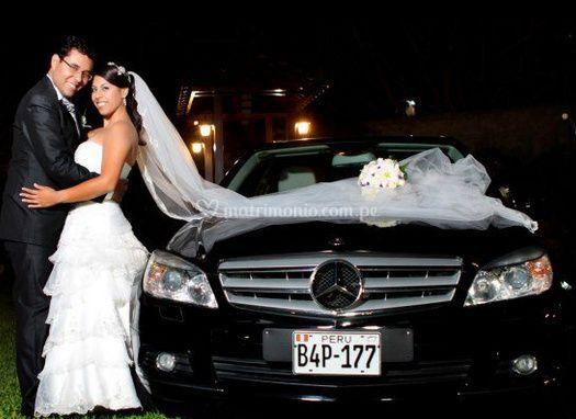 Los novios de Marife Rent a Car