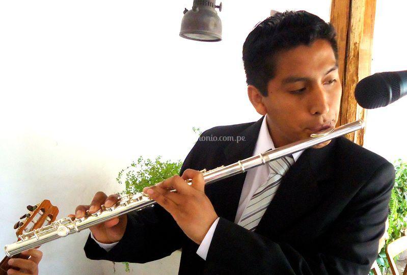 Flauta traversa en su boda