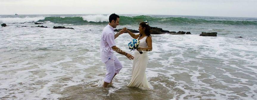 Matrimonio Simbolico En La Playa Peru : Bodas en la playa peru lima