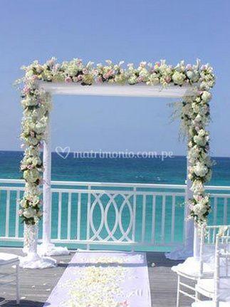 Arco con flores