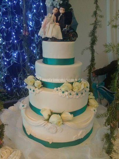 Torta blanco y azul