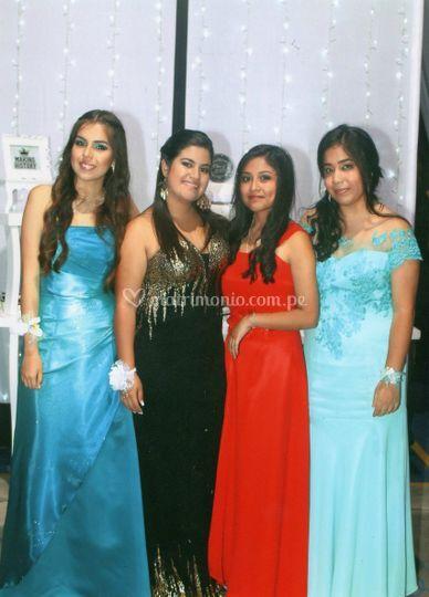Danitza y amigas de promoción