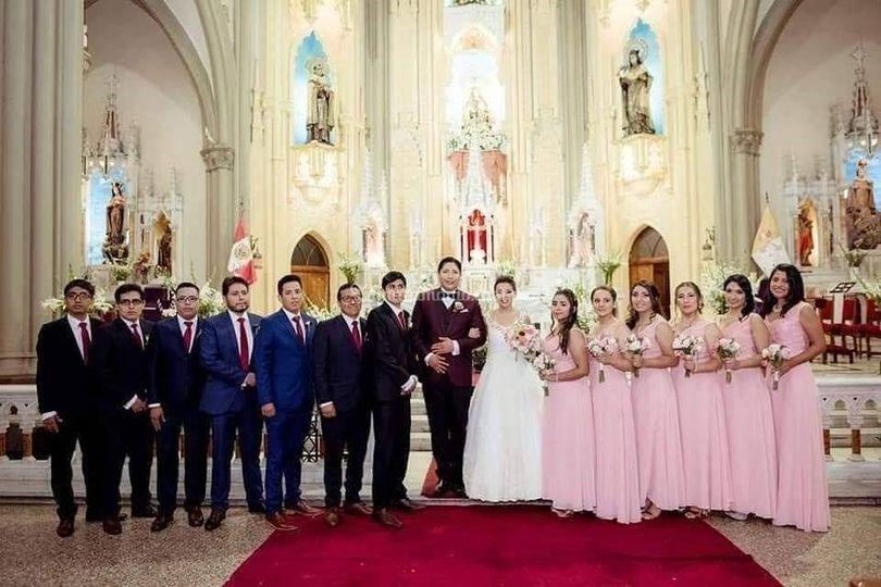Terno de boda vinotinto